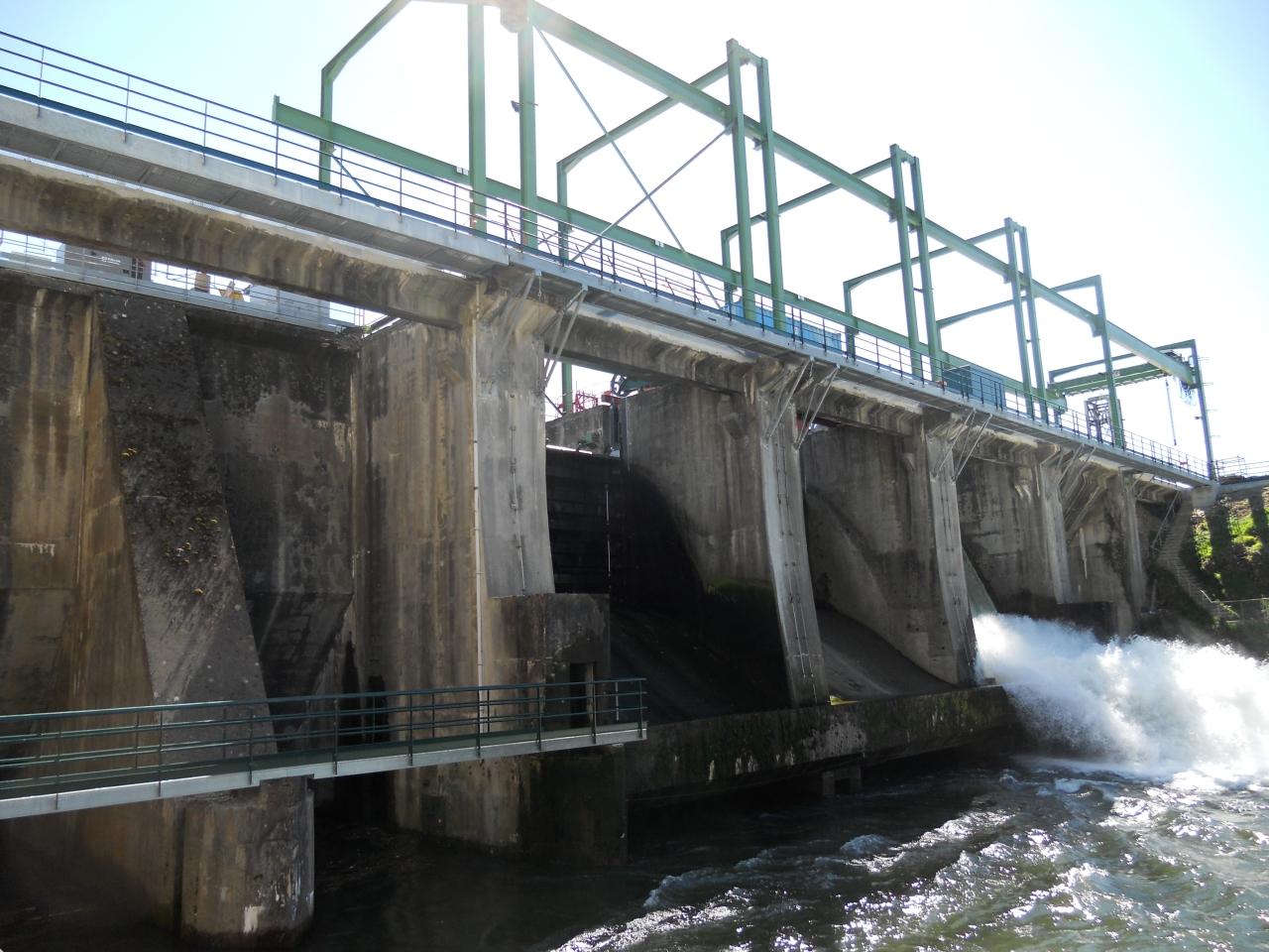 Remplacement de Vannes wagon d'un barrage hydroélectrique