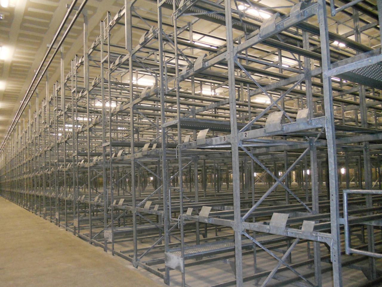Racks de stockage de 10 516 barriques de 400 litres sur 6 niveaux de stockage