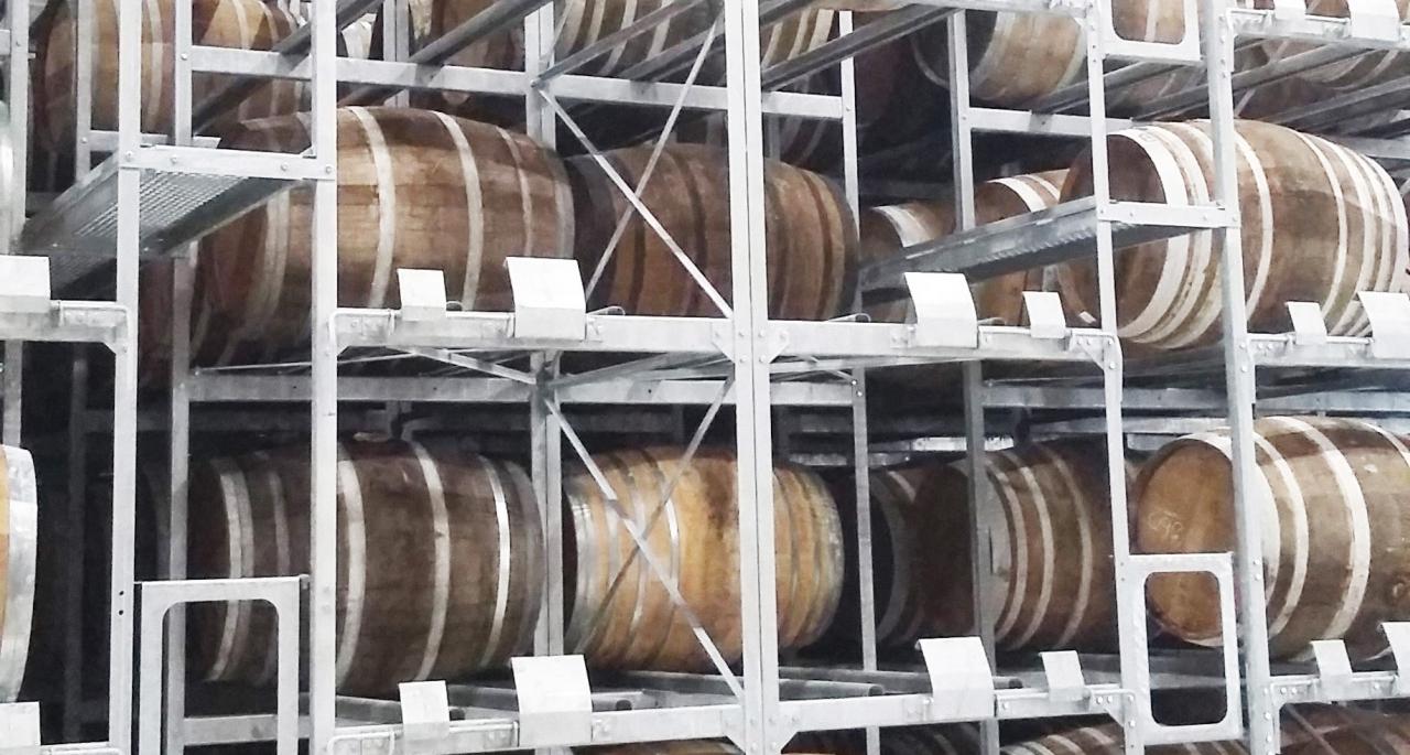 Racks de stockage de barriques de 350 et 400 litres sur 6 niveaux de stockage